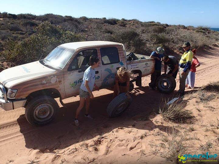 4WD Tyre Change At Gnaraloo